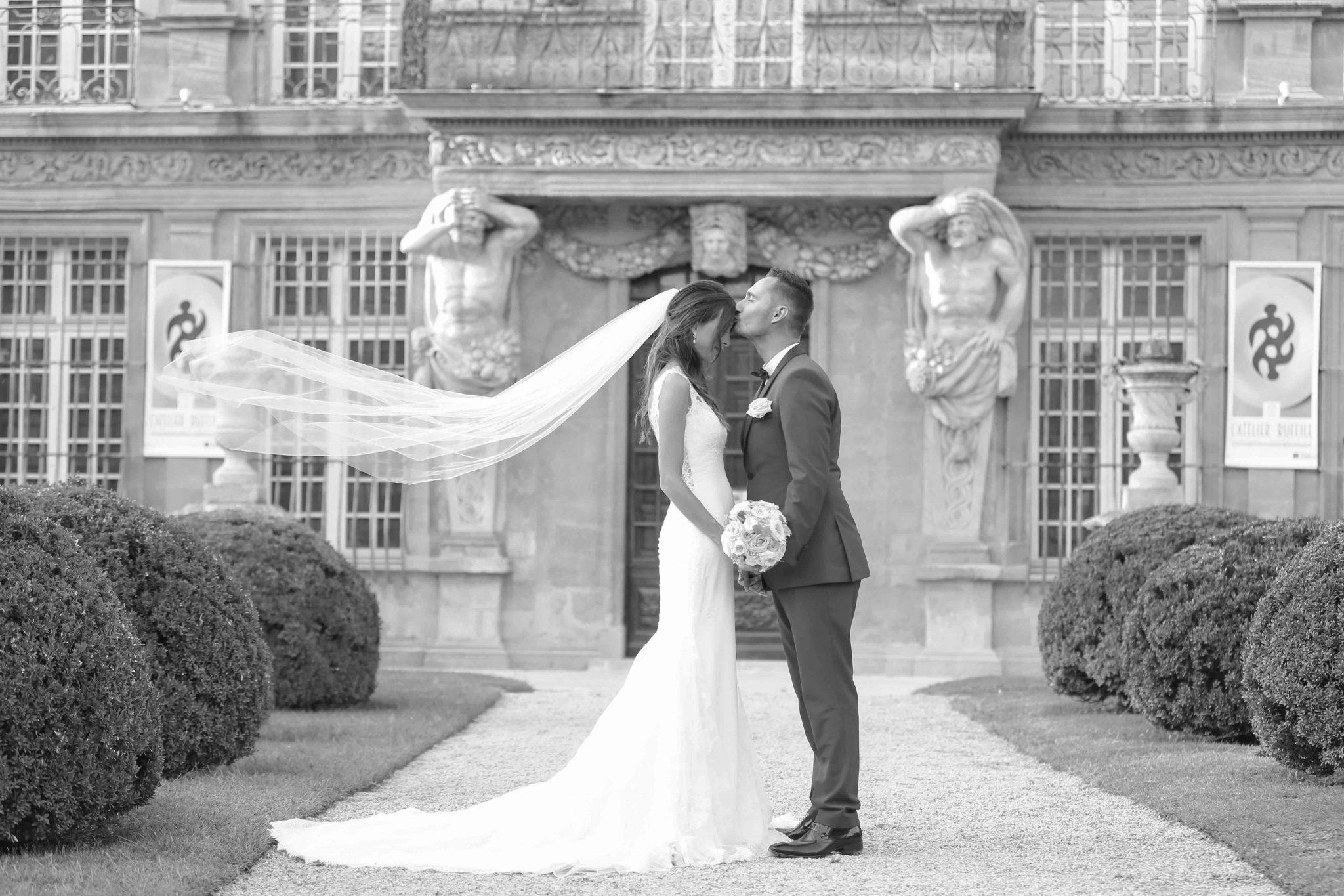 Photographe mariage bouches du rh ne aix en provence puyricard salon de provence lan on de - Salon du mariage aix en provence ...